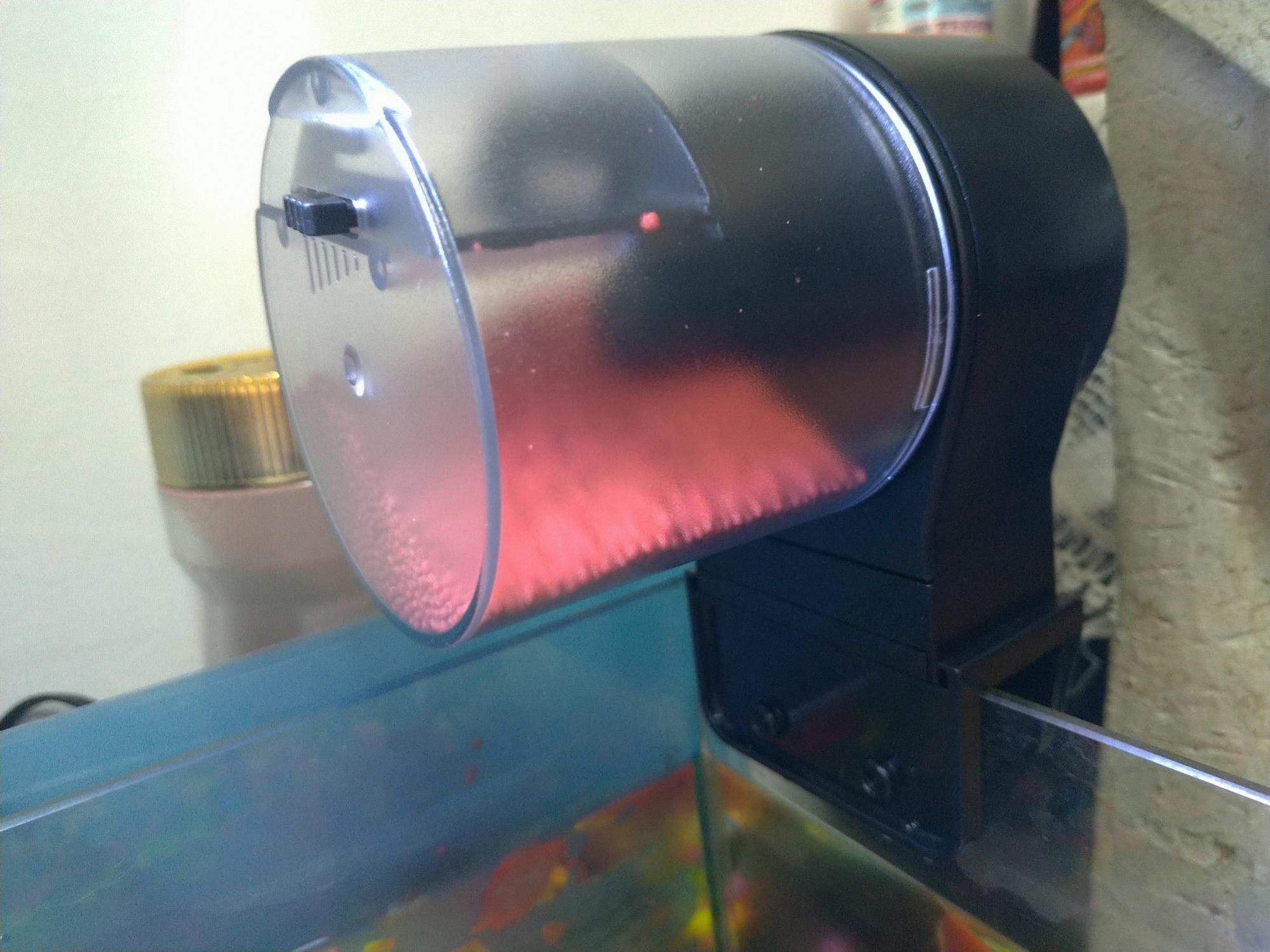 [開箱文]自動餵魚器(hidoli)12/24小時自動餵魚,不用擔心魚兒會餓肚子的自動餵食器!